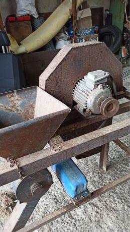 Траворезка. Крупорезка зернодробилка мельница крупорушка