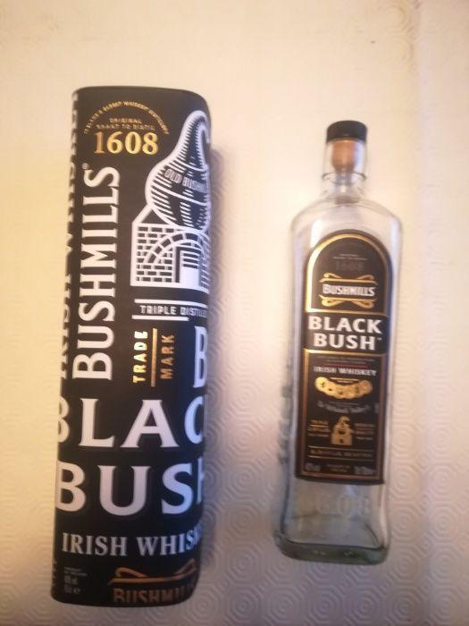 Caixa e garrafa Bushmills - Black Bush Irish Whiskey Custóias, Leça Do Balio E Guifões - imagem 1