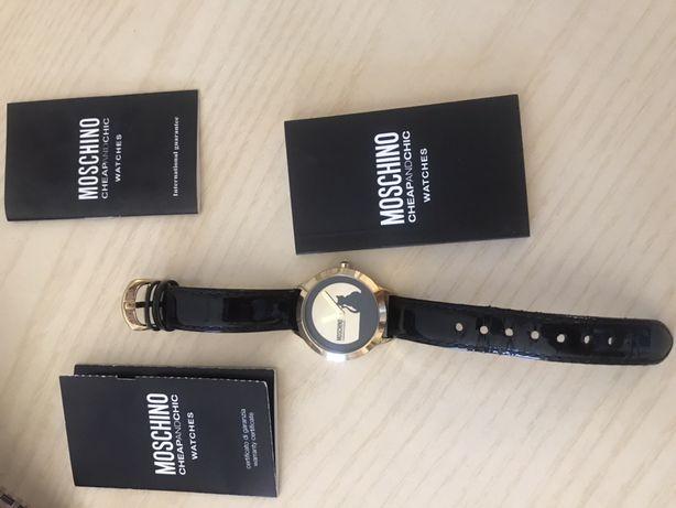 Часы moschino, легкое бу