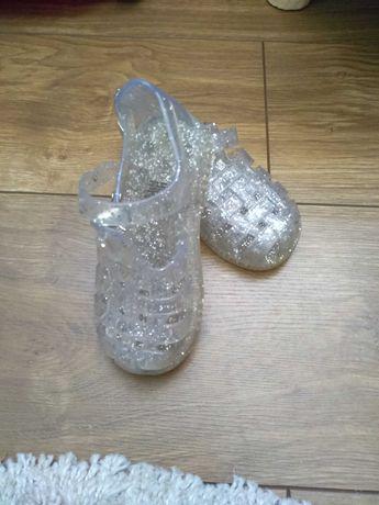 Sandały,sandałki gumowe Gap r.24