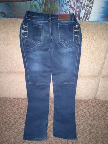 Продам джинсы для подростка.