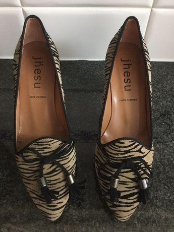 Sapatos senhora novos