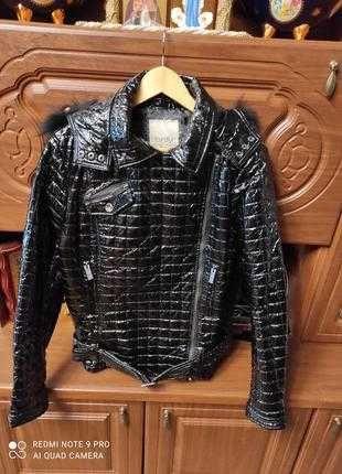 Курточка-косуха новая