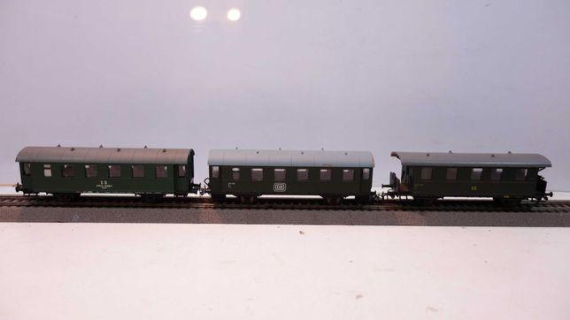 Zestaw 3 wagony pasażerskie Piko skala H0