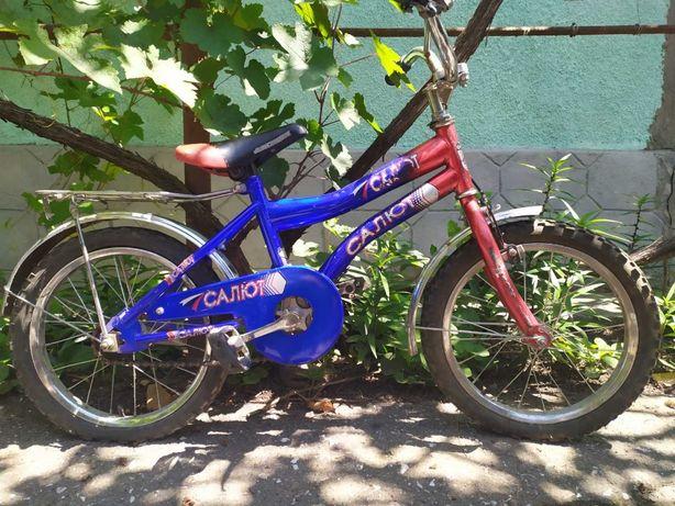 """СРОЧНО велосипед детский двухколёсный """"Салют"""" на 4 - 9 лет, отличный"""