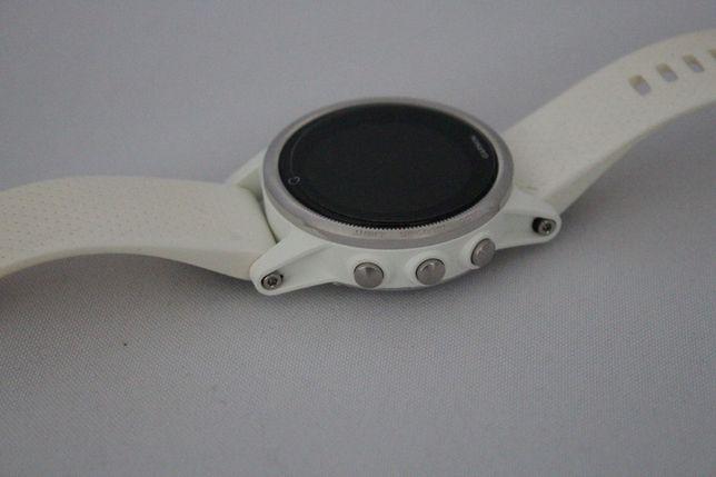Garmin Fenix 5s white