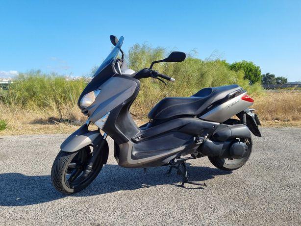 Moto Scooter Yamaha X Max 250 Titanium Grey