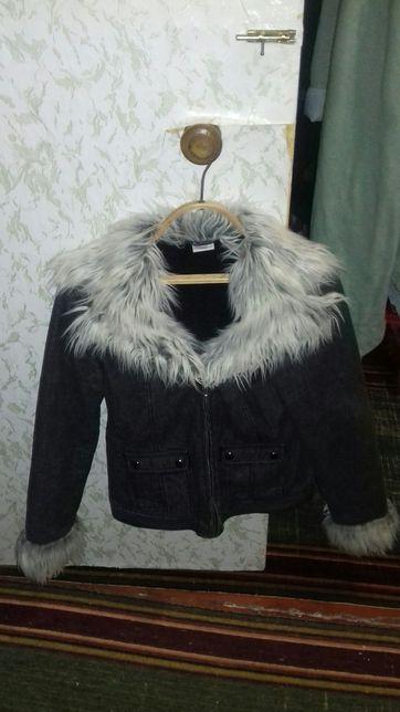 Куртка на девочку - подростка