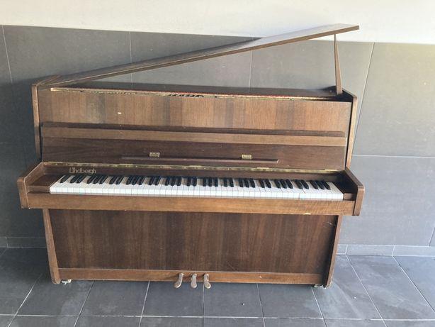 Pianino Legnica 1983