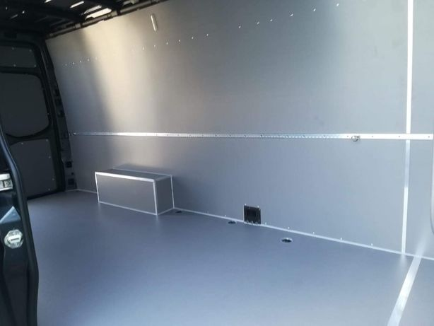Zabudowy aut dostawczych marki Mercedes Sprinter L3H2