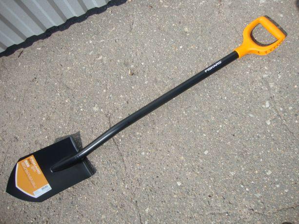 лопата фискарс длинная штыкова Fiskars 131413