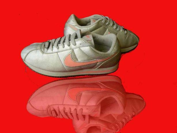Nike Classic Cortez r. 38,5