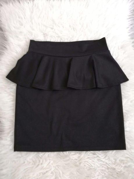 Czarna dopasowana spódnica z baskinką S
