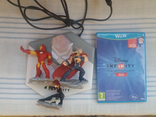 Kit Infinity WII U + 3 bonecos e jogo