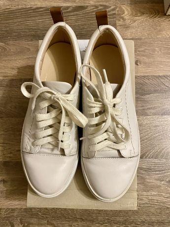 Белые кеды, кроссовки Clarcs