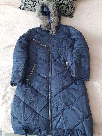 Продам зимнее пальто, куртка в подарок!