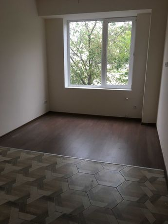 Продам квартиру с ремонтом рядом с центр. автовокзалом с миникомунальн