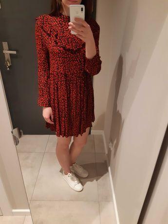 Zara - wiskozowa, czerwona sukienka, rozm. S/36, kołnierz a'la stójka.