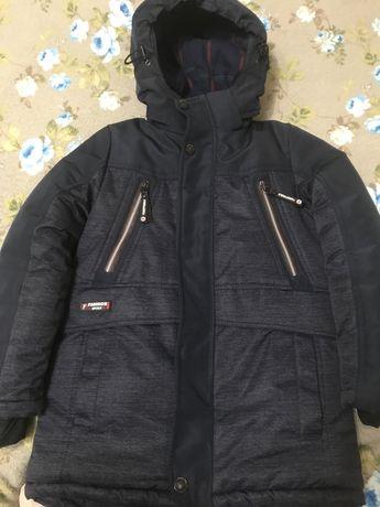 Куртка зимняя для мальчика, очень теплая.