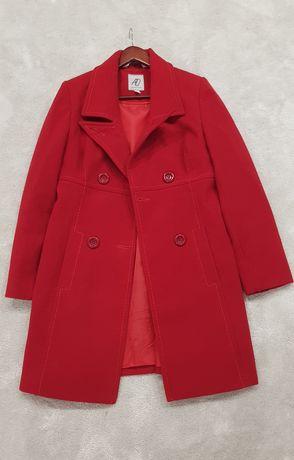 Czerwony plaszcz z welna r. 42