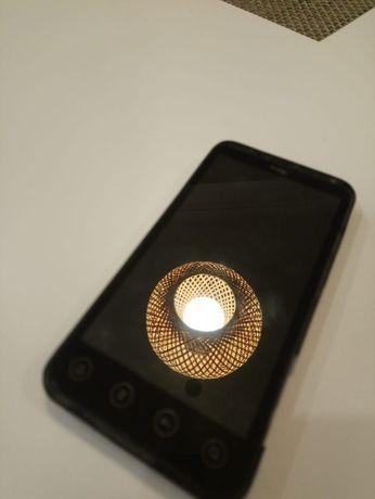 HTC EVO 3D Smartphone z wyświetlaczem 3D bez okularów