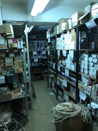 Продам встроенное подвальное складское помещение