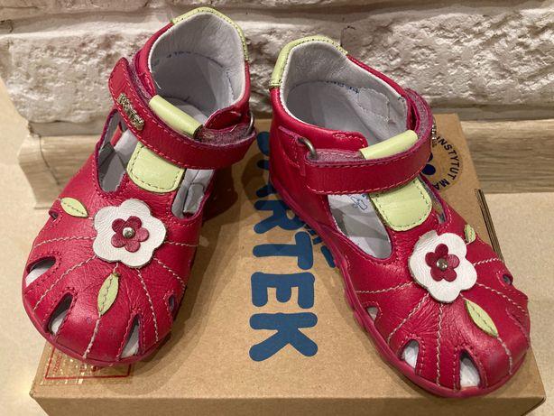 Sandałki dziewczęce BARTEK r. 22, różowe/fuksja, bardzo ładne