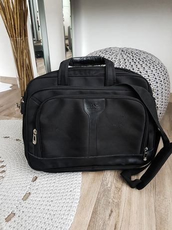 Torba na laptopa lub torba podróżnicza