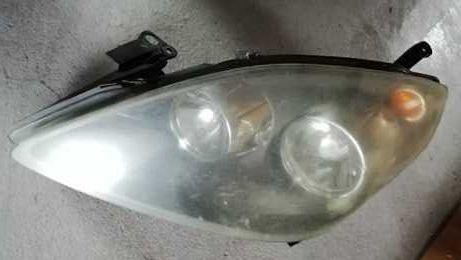 Opel Zafira B lampa przód lewa