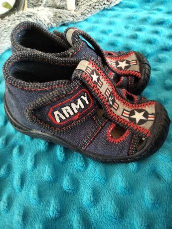 Sandałki dla chłopca roz 21