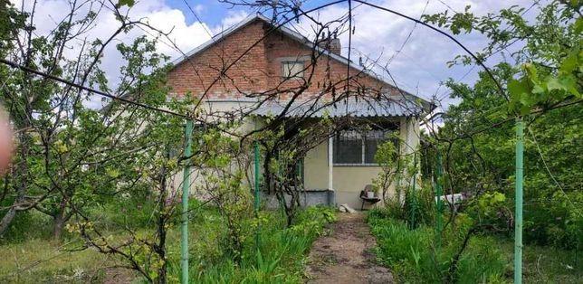 Продается  кирпичный, утепленный дом с большим участком земли 58 соток