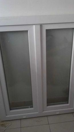 Janela PVC branca vidro duplo
