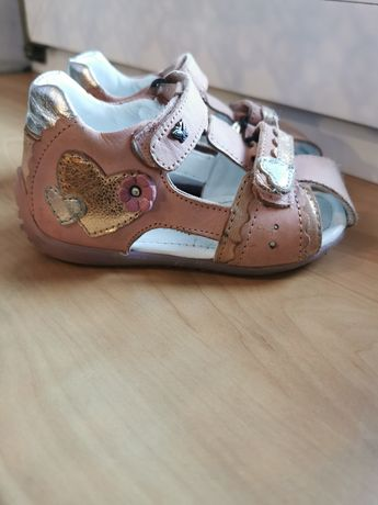 Sandały buty buciki lasocki CCC