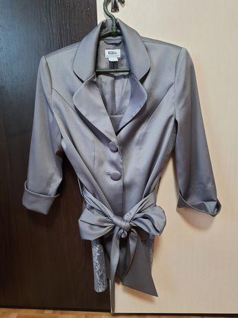 Костюм женский 42р.пиджак юбка
