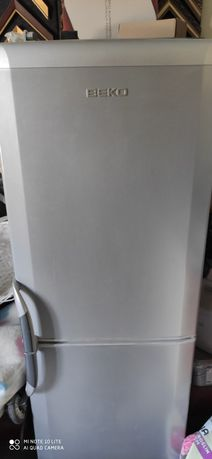 Sprzedam lodówkę Beko 152x54