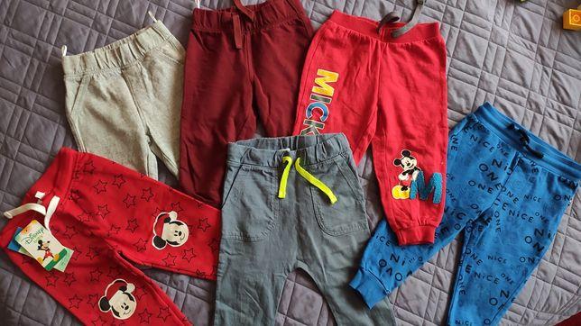 Spodnie spodenki dresowe Disney C&A Reserved r.86