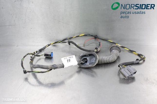 Instala electrica porta frt dir Ford Transit Connect 02-09