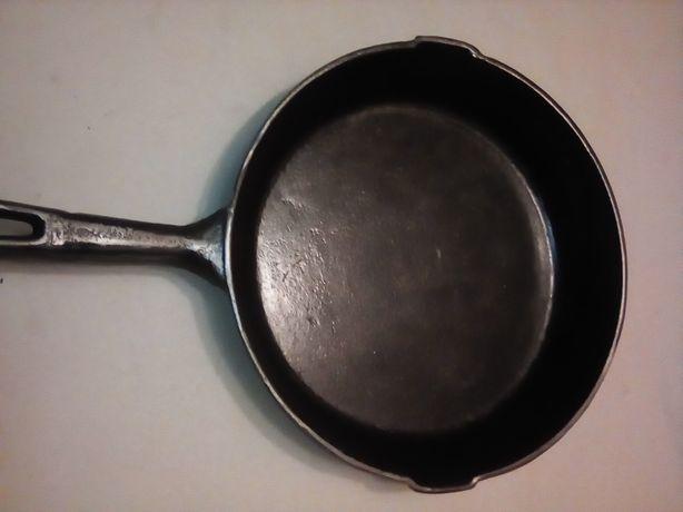 Советская чугунная сковорода