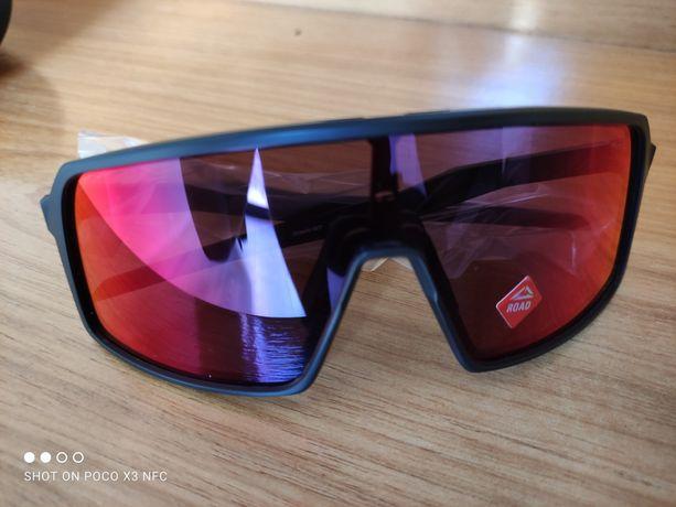 NOVOS Óculos Oakley Sutro