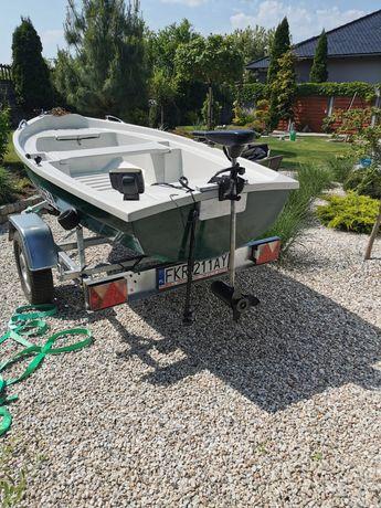 Łódka z silnikiem elektrycznym + echosonda