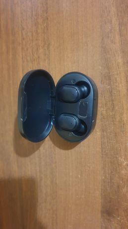 Słuchawki bezprzewodowe Bluetooth 5.0 plus etui Powerbank NOWE