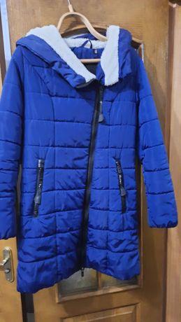 Куртка синього кольору