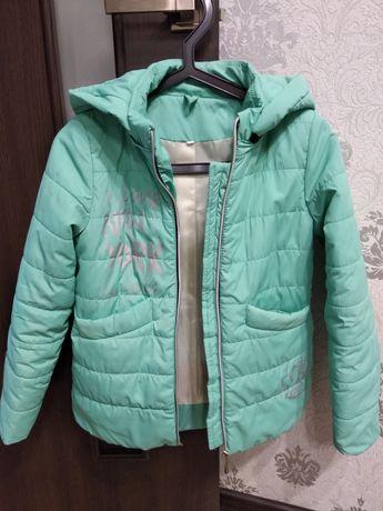 Весенняя куртка на девочку мятного цвета