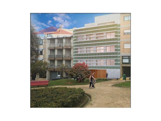 Fantástico T4+1 Duplex Largo de Cadouços