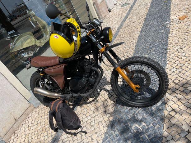 SUZUKI GN 250 Scrambler