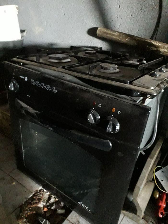 Forno e placa da marca favor o forno só foi usado duas vezes Beja (Salvador E Santa Maria Da Feira) - imagem 1
