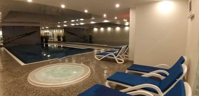 Wliczone w czynsz: basen, silownia, sauna, 24godz ochrona i concierge