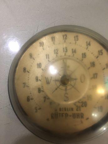 Часы трофейные солнечные компас
