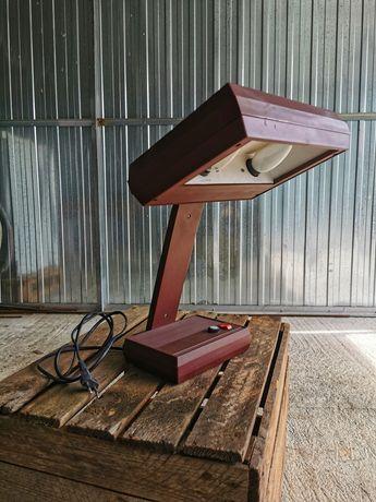 Stara lampa na biurko.