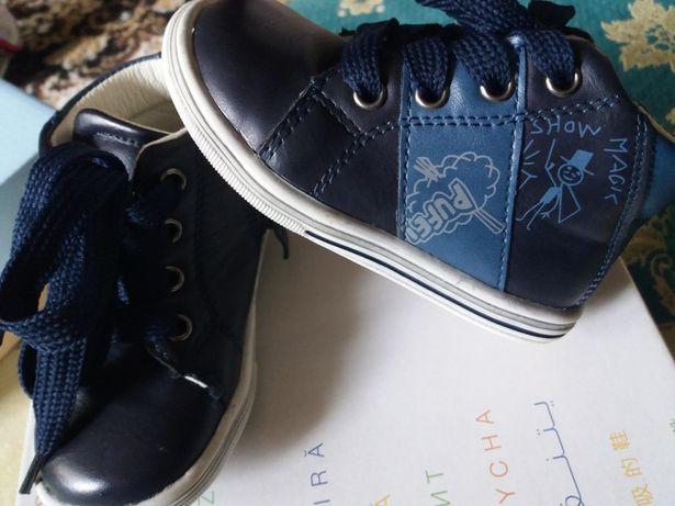 Продам осінні черевики крассовки туфли на осень